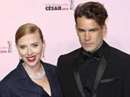 Scarlett Johansson set to 'wed fiance Romain Dauriac next month'